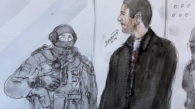 تصویر: تصویر نقاشی شده مهدی نموخه، راست، در دادگاه تجدید نظر ورسایل، در کنار مامور پلیس، ۱۲ ژوئن ۲۰۱۴. (AP Photo/Benoit P., File)