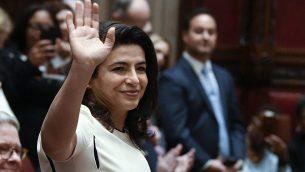 تصویر: آنا کاپلان، سناتور تازه-انتصاب دموکرات از مینئولا، هنگام معرفی، در گشایش مجلس، آلبانی، نیویورک، ۹ ژانویه ۲۰۱۹. (AP Photo/Hans Pennink, File)