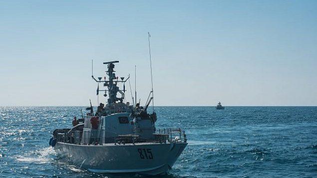 تصویر: قایق های نیروی دریایی اسرائیل حین تمرینات مانور جنگ با گروه تروریستی حزب الله، در شمال اسرائیل، سپتامبر  ۲۰۱۷ (Israel Defense Forces)