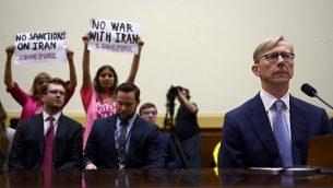 تصویر: «برایان هوک»، نماینده ویژه ایران ایالات متحده هنگام شهادت در جلسه استماع کمیته فرعی امور خارجی مجلس نمایندگان در رابطه با خاورمیانه، آفریقای شمالی، تروریسم بین المللی در کاپیتول، واشنگتن، ۱۹ ژوئن ۲۰۱۹.  (Andrew Caballero-Reynolds/AFP)