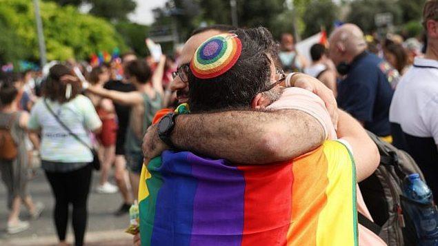 تصویر: حضور مردم در مراسم سالانه رژه افتخار همجنسگرایان در اورشلیم،۶ ژوئن ۲۰۱۹. (Yonatan Sindel/Flash90)