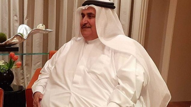 تصویر: «خالید بن احمد آل خلیفه» وزیر خارجه بحرین حین گفتگو با تایمز اسرائیل در حاشیه کارگاه «از صلح به رفاه» منامه، بحرین، ۲۶ ژوئن ۲۰۱۹. (Courtesy)