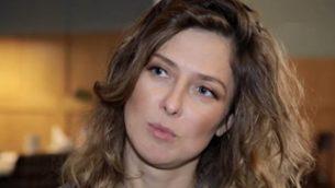 تصویر: یولی یوزیک، روزنامه نگار روس، در اکتبر ۲۰۱۹ دستگیر شد. (YouTube screenshot)