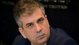 Kulanu party member and Minister of Economy and Industry Eli Cohen attends a Kulanu faction meeting in Tel Aviv on April 1, 2019. Photo by Flash90 *** Local Caption *** ëåìðå ëðñ éùéáú ñéòä îãáø àìé ëäï