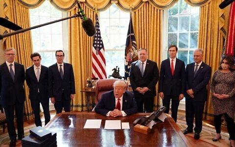 تصویر: روز ۲۳ اکتبر ۲۰۲۰، دونالد ترامپ رئیس جمهور ایالات متحده در کاخ سفید، واشنگتن، اعلام کرد سودان روابط خود با اسرائیل را عادی سازی خواهد کرد.  (Photo by Alex Edelman / AFP)