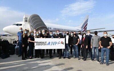 تصویر: هیئت فناوری اسرائیلی که تحت ریاست «بنیاد سرمایه گذاران اورشلیم» به امارات میرود.  (Elad Gutman)