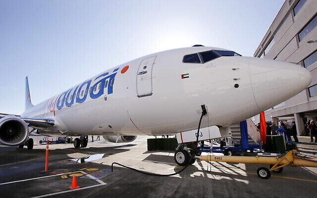تصویر: در عکسی از ۲۷ اکتبر ۲۰۱۰، یک جت بوئینگ ۷۳۷ در سیاتل حین انتقال به شرکت هواپیمایی «فلای دوبی» مشاهده می شود. (AP Photo/Elaine Thompson, File)