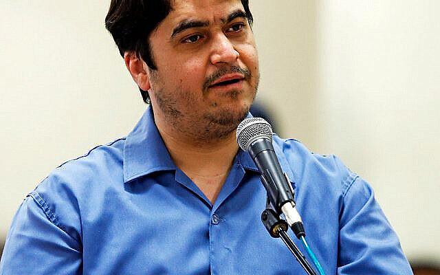تصویر: روح الله زم، روزنامه نگار ایرانی که در دسامبر ۲۰۲۰ بدست رژیم ایران به قتل رسید