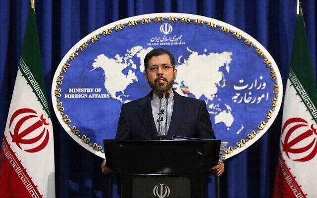 تصویر: سعید خطیب زاده سخنگوی وزارت خارجه در کنفرانس مطبوعاتی در تهران، ۲۲ فوریه ۲۰۲۱.  (ATTA KENARE / AFP)