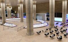 تصویر: سالن ورودی خالی فرودگاه بین المللی بن  گوریون، نزدیک تل آویو، ۳ فوریه ۲۰۲۱.  (Tomer Neuberg/Flash90)