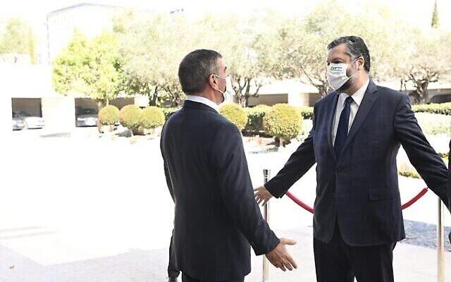 تصویر: گابی اشکنازی وزیر خارجه اسرائیل، چپ، با ارنستو اراهو، همتای برزیلی خود در اورشلیم، ۷ مارس ۲۰۲۱.  (Foreign Ministry)