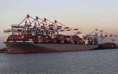 تصویر تزئینی: یک کشتی باری در بندر اشدود. (Tsafrir Abayov/Flash90)