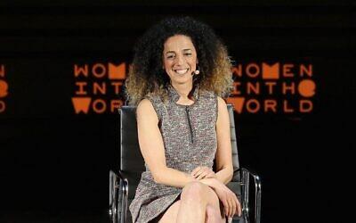 تصویر: در عکسی از ۷ آوریل ۲۰۱۶، روزنامه نگار مسیح علی نژاد در هفتمین مراسم نشست زنان جهان در مرکز لینکلن شهر نیویورک سخن می گوید. (Jemal Countess / GETTY IMAGES NORTH AMERICA / AFP)