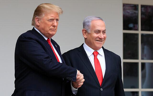 تصویر: پرزیدنت دونالد ترامپ، چپ، حین استقبال از بنیامین نتانیاهو نخست وزیر وقت در کاخ سفید، واشنگتن، ۲۵ مارس ۲۰۱۹.