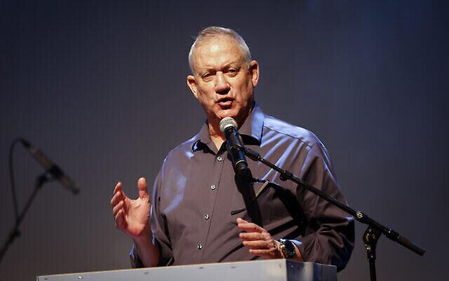 تصویر: بنی گانتز وزیر دفاع اسرائیل در کنفرانسی در اشکلون، جنوب اسرائیل، ۱۳ ژوئیه ۲۰۲۱.  (Flash90)