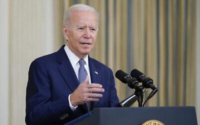 تصویر: جو بایدن رئیس جمهور ایالات متحده حین سخن در تالار پذیرایی کشوری کاخ سفید واشنگتن، ۳ سپتامبر ۲۰۲۱. (AP Photo/ Susan Walsh)
