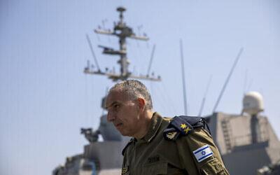 تصویر: «دریاسالار الی شارویت» روی عرشهٔ «ها-عتصماعوت »، کشتی جنگی اسرائيل در دریای مدیترانه، ۱ سپتامبر ۲۰۲۱. (AP Photo/Ariel Schalit)