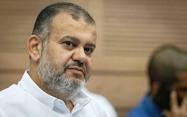 تصویر: ولید طاها نماینده کنست (از حزب رعم) در جلسهٔ کمیتهٔ تنظیمات در کنست، اورشلیم، ۲۳ ژوئن ۲۰۲۱.  (Yonatan Sindel/Flash90)