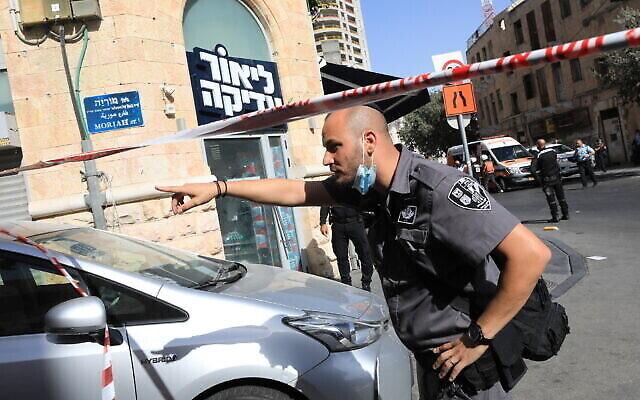 تصویر: صحنهٔ چاقوزنی بیرون ایستگاه مرکزی اتوبوس در اورشلیم، ۱۳ سپتامبر ۲۰۲۱. (Olivier Fitoussi/Flash90)