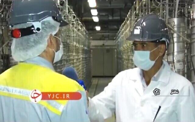 تصویر: فیلمی از تأسیسات هسته ای نطنز که در ۱۷ آوریل ۲۰۲۱ از تلویزیون ملی ایران پخش شد.  (Screen capture/Twitter)