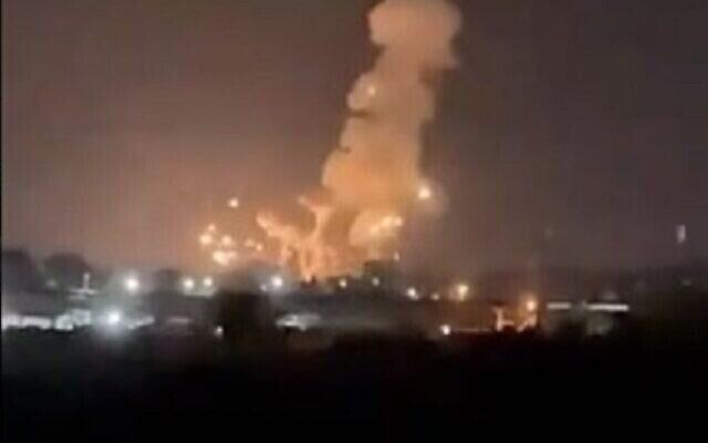 تصویر: انفجارهایی حین حملهٔ هوایی نیروهای دفاعی اسرائیل در نوار غزه مشاهده می شود؛ ۶ سپتامبر ۲۰۲۱.  (video screenshot)