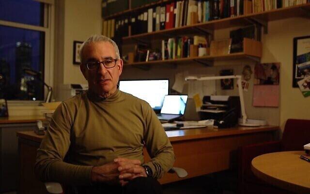 تصویر: جاشوا آنگریست، اقتصاددان اسرائیلی آمریکایی. (Video screenshot)