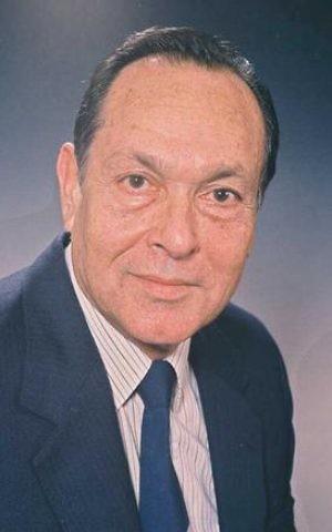 Yitzhak Modai in 1985 (Photo: Nati Harnik, GPO)