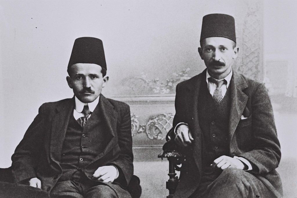 David Ben Gurion (L) and Yitzhak Ben Zvi (R) as law students in Turkey in 1912. (photo courtesy the GPO)