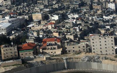 Vue aérienne de Shuafat, dans le nord de Jérusalem (Crédit: Kobi Gideon/Flash90)