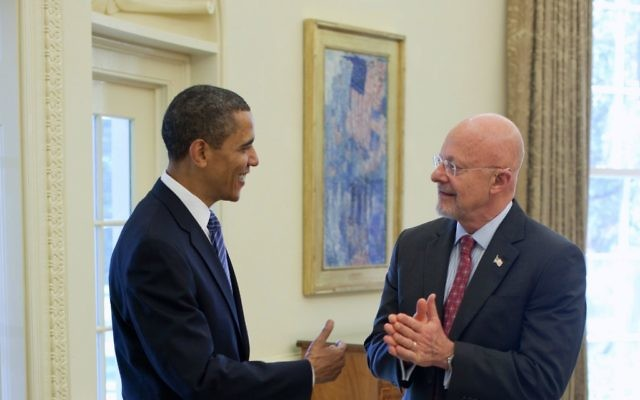 Barack Obama et James Clapper (Crédit photo : Peter Souze/White House)