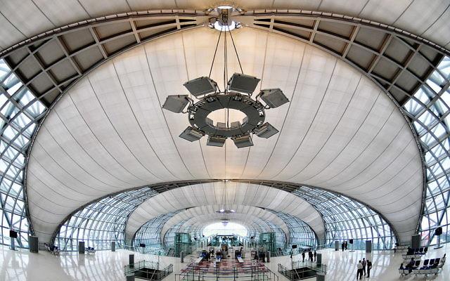 Suvarnabhumi International Airport, Bangkok (photo credit: CC-BY Roger Price, Wikipedia)