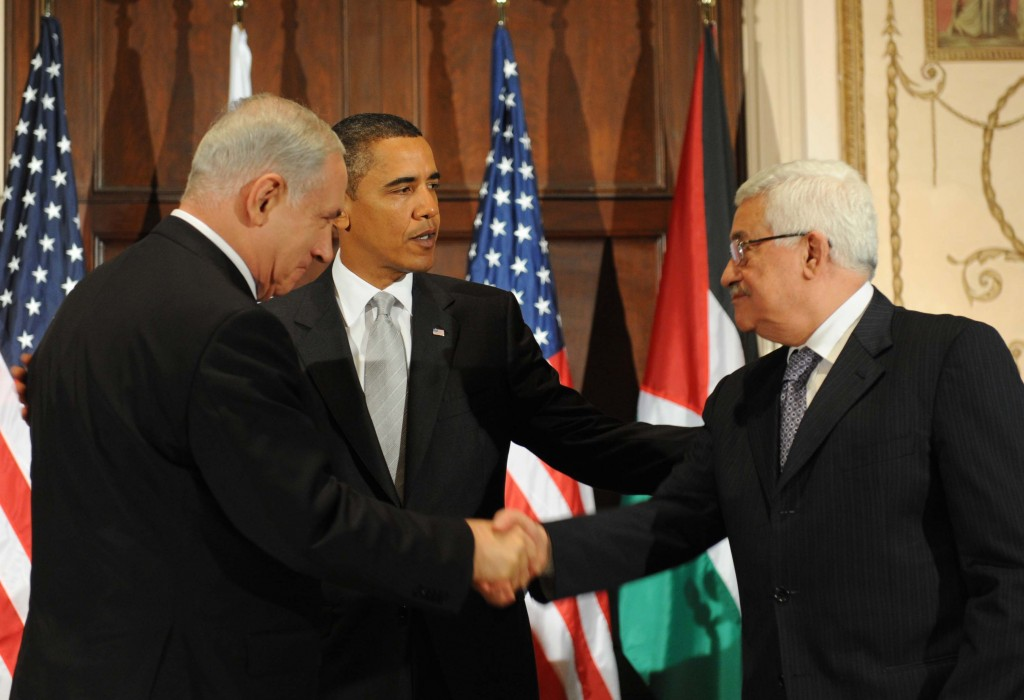 Netanyahu, Obama and Abbas during a meeting in New York in 2009 (photo credit: Avi Ohayon/GPO/Flash90)
