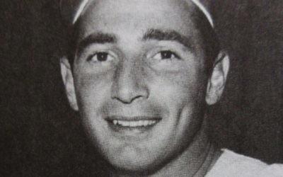 Sandy Koufax en 1965, l'année où il a décidé de ne pas jouer le premier jeu des World Series; qui avait lieu le jour de Yom Kippour. (Crédit : domaine public)
