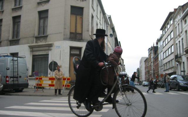 Le quartier juif d'Anvers, un shtetl moderne. Illustration. (Crédit : Ben Harris/JTA)