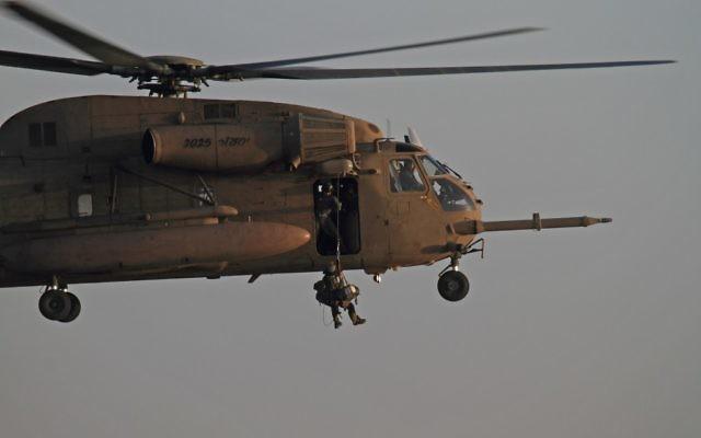 L'unité de sauvetage Unit 669 , en janvier  2010 (Crédit : Ofer Zidon/Flash90)
