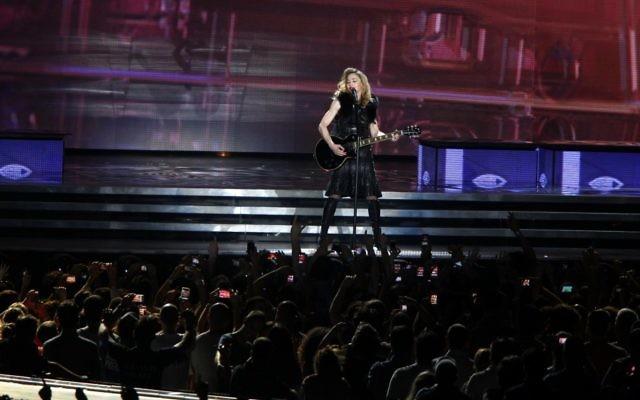 Madonna ouvre sa tournée mondiale MDNA à Tel Aviv en mai 2012 (Crédit : Flash 90)