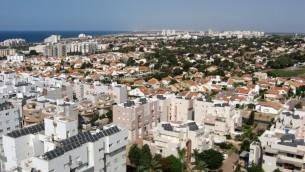 Israel's coastal city of Ashkelon lies 8 miles north of the Gaza Strip (photo credit: Courtesy Wiki commons)