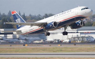Un avion US Airways au décollage. (Crédit : CC BY-SA Ack Ook, Flickr)