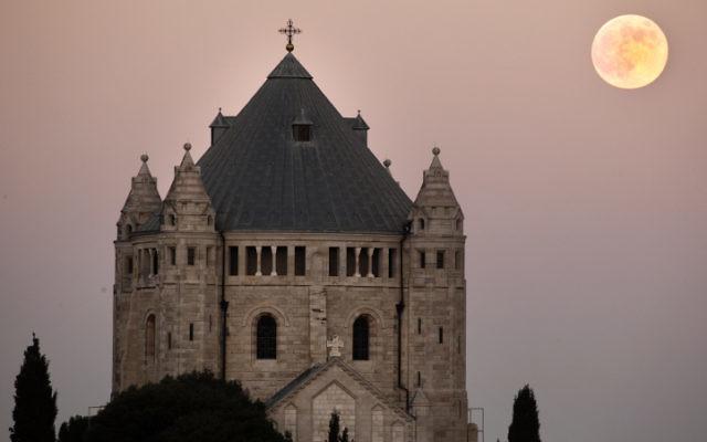 L'église de la Dormition sur le mont Sion à Jerusalem en août 2010. (Crédit : Matanya Tausig/Flash90)