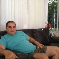 Amos Danieli à son domicile de Karmei Yosef (Crédit: Mitch Ginsburg/ Times of Israel)