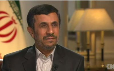 Mahmoud Ahmadinejad en septembre 2012 (Crédit : capture d'écran YouTube/CNN)