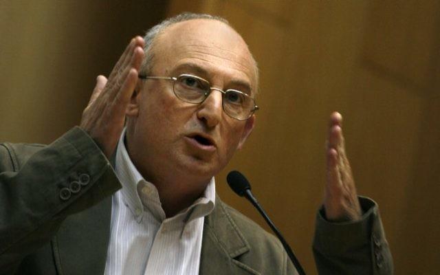 L'ancien député Aryeh Eldad, en juin 2009. (Crédit :  Miriam Alster/Flash90)