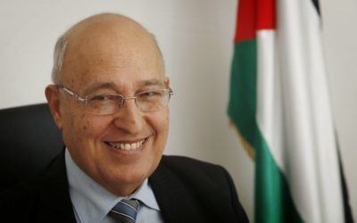 Nabil Shaath dans son bureau de Ramallah, le 18 janvier 2012. (Crédit : Miriam Alster/Flash90)