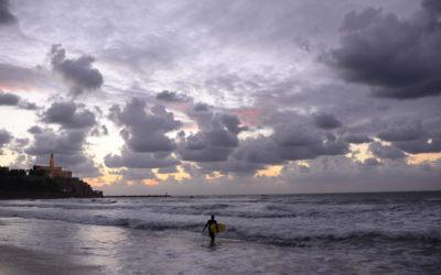 Un coucher de soleil à Tel-Aviv (photo credit: Tomer Neuberg/Flash90)