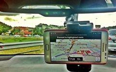 Photo Instagram dont les couleurs ont été modifiées d'un conducteur utilisant Waze aux Philippines. (Crédit : CC-BY raramaurina,Flickr)