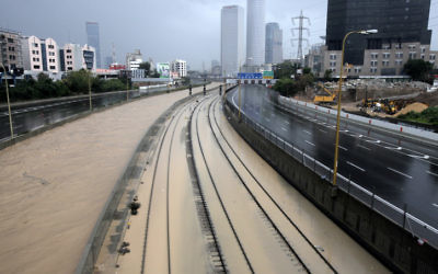 Flooded railway lines alongside the Ayalon River in Tel Aviv, Tuesday. Jan 8 2012. (Photo by Flash90)