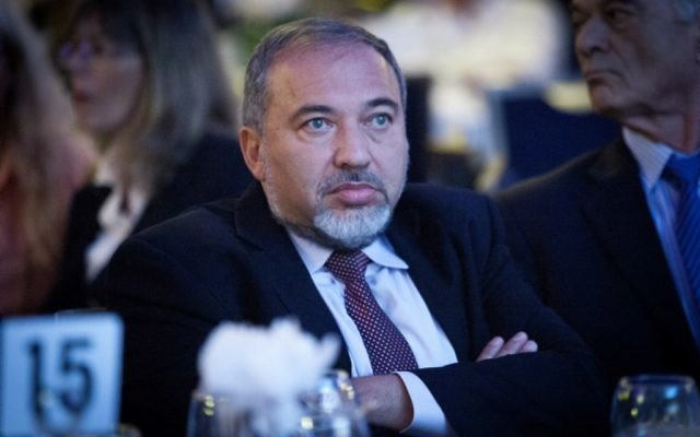 Le leader du parti Yisrael Beytenu Avigdor Liberman, (Crédit : Moshe Shai/Flash90)