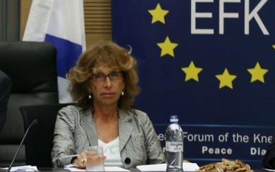 Fiamma Nirenstein pendant une réunion entre députés israéliens et délégués européens sur les relations entre l'Union européenne Union et le parlement israélien, en 2009. (Crédit: Miriam Alster/Flash90)