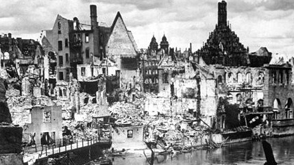 Nuremberg in ruins (photo credit: Wikimedia Commons)
