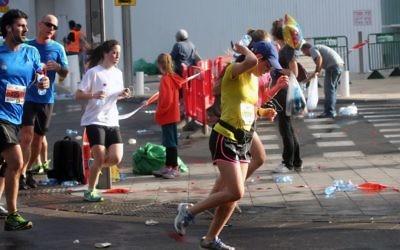 Phot du marathon de Tel Aviv de 2013  (Crédit : Roni Schutzer/Flash90)